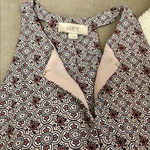 LOFT keyhole spring printed sleeveless blouse
